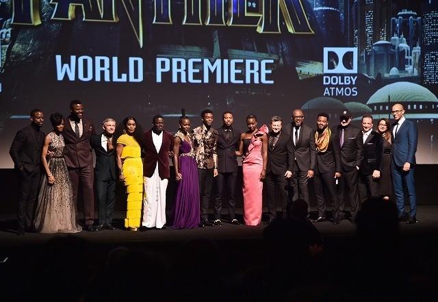 「ブラックパンサー」世界初披露!上映前から観客総立ち