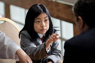 大物政治家が頼る占い師は少女 チェ・ミンシク主演「ザ・メイヤー」特別映像公開