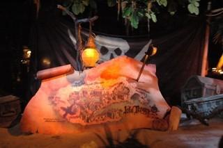 米ディズニーランド「カリブの海賊」花嫁売買シーンをカット