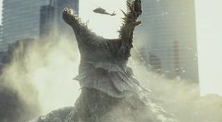 ロック様VS巨獣「ランペイジ」予告公開!巨大ワニが都市を壊滅状態に