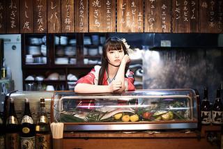 居酒屋を舞台に女子高生の成長を描く「いつも月夜に米の飯」