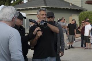 本作で監督作は6作目「サバービコン 仮面を被った街」