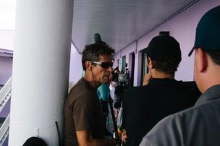 ウィレム・デフォーの撮影の一場面「フロリダ・プロジェクト 真夏の魔法」