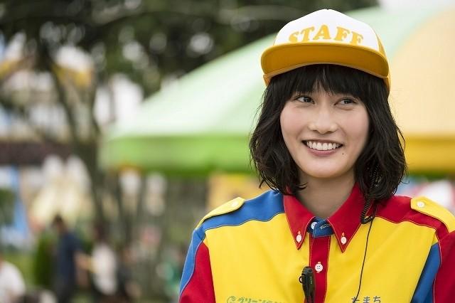 橋本愛、地元・熊本の遊園地が舞台「オズランド」に凱旋出演!夢と笑顔与えるクルーに