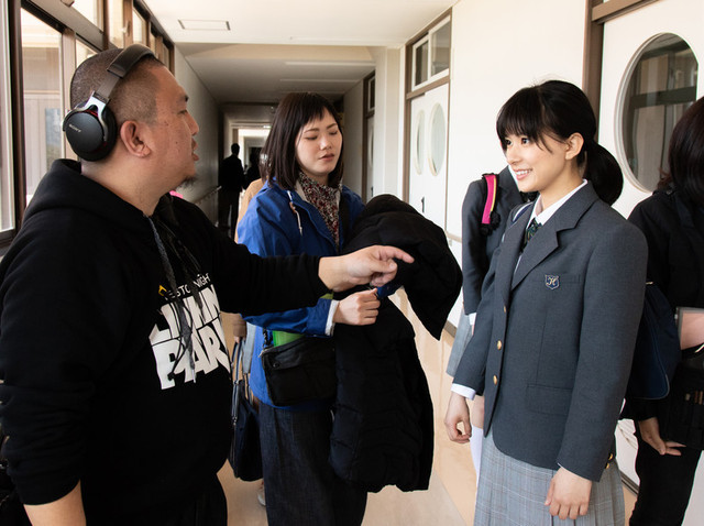 篠原涼子&芳根京子、母娘演じた「今日も嫌がらせ弁当」万感のオールアップ - 画像2