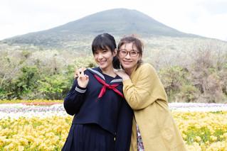 篠原涼子&芳根京子、母娘演じた「今日も嫌がらせ弁当」万感のオールアップ