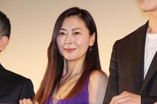 中山美穂、5年ぶり主演映画封切りに声詰まらせる「ホッとしました」