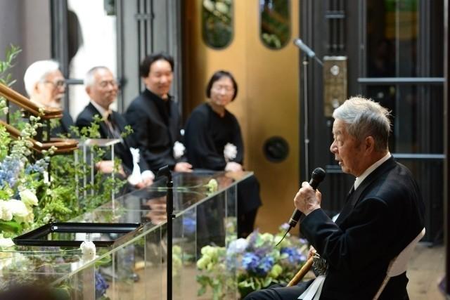 宮崎駿監督、高畑勲監督との別れに涙「ありがとう」「忘れない」関係者1200人が見送る - 画像9