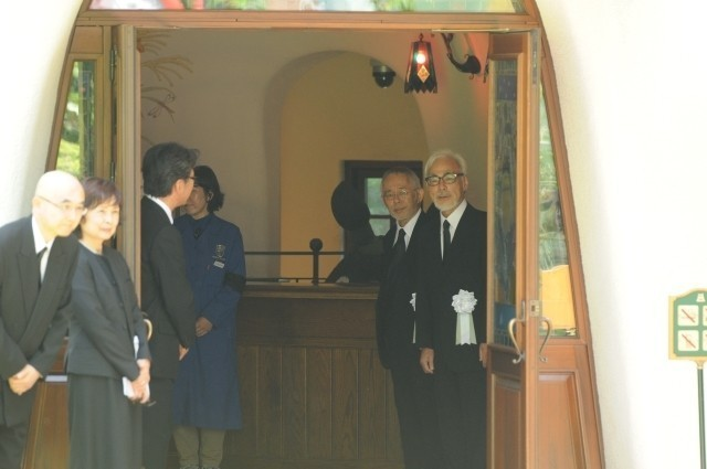 宮崎駿監督、高畑勲監督との別れに涙「ありがとう」「忘れない」関係者1200人が見送る - 画像17