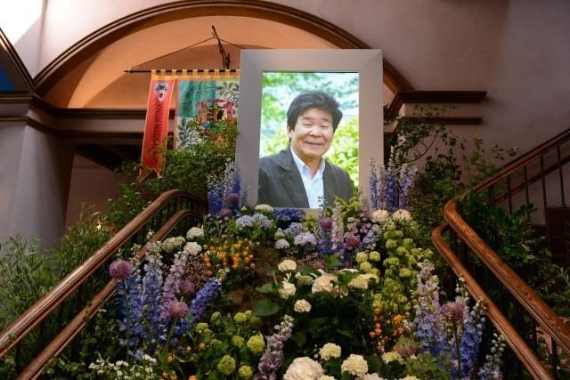 宮崎駿監督、高畑勲監督との別れに涙「ありがとう」「忘れない」関係者1200人が見送る - 画像3