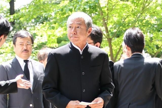 宮崎駿監督、高畑勲監督との別れに涙「ありがとう」「忘れない」関係者1200人が見送る - 画像20