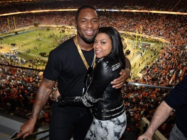 婚約したタラジ・P・ヘンソンと 元NFL選手のケルビン・ヘイデン