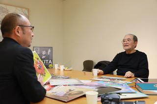 鋤田氏(右)と、聞き手を務めた松蔭氏「SUKITA 刻まれたアーティストたちの一瞬」