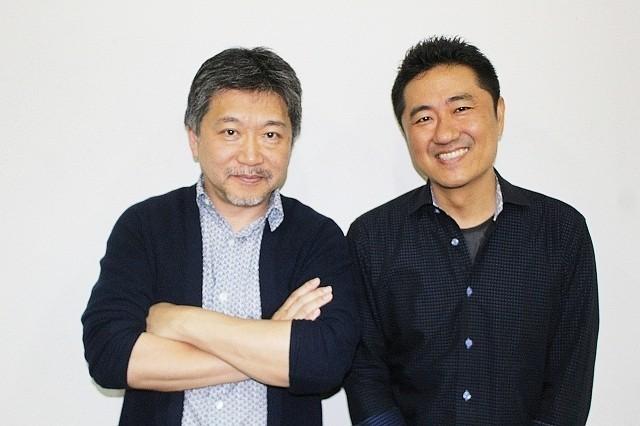 プライベートでも親交の深い 是枝監督(左)と想田監督