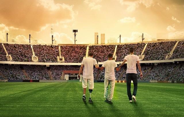 悲劇のサッカークラブが再起目指す!「わがチーム、墜落事故からの復活」予告入手