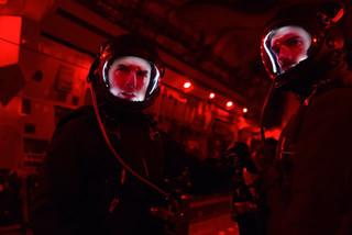 俳優史上初の上空8000メートルダイブ!「ミッション:インポッシブル」メイキング公開