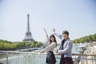 中条あやみ&佐野勇斗「3D彼女」引っさげパリ・Japan EXPOに登場!