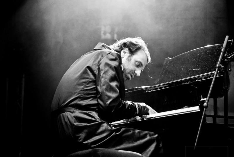 ダフト・パンク、ビョークらが心酔! 天才音楽家、チリー・ゴンザレスのドキュメンタリーが公開