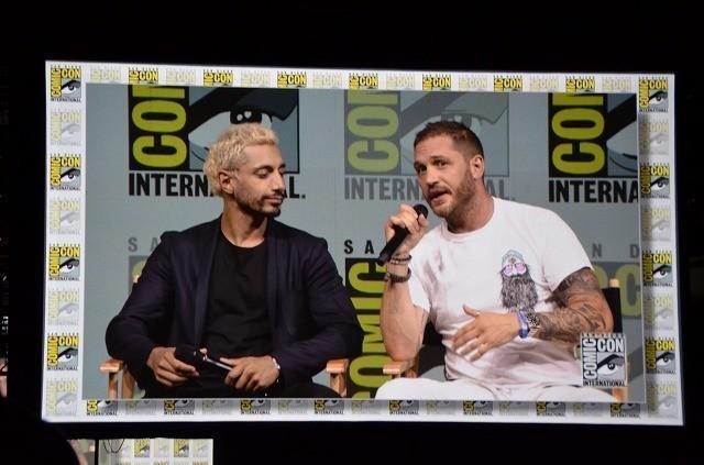 「スパイダーマン」から生まれた アンチヒーローを演じるトム・ハーディ(右)