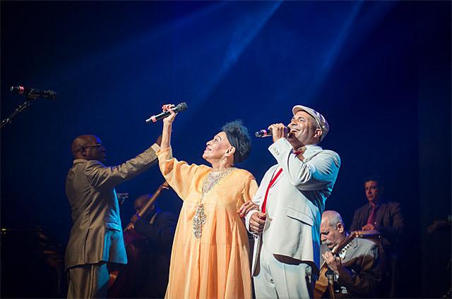 この世を去ったメンバーへの思いを胸に 80代の歌姫が歌い上げる!