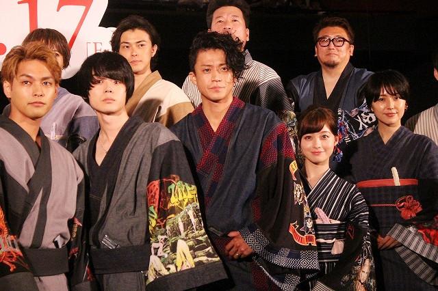 舞台挨拶を盛り上げた小栗旬、福田雄一監督ら