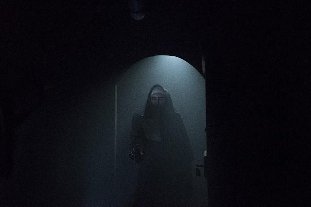 「死霊館のシスター」予告編ですべての元凶が襲い掛かる!4D上映も決定