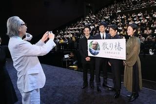 巨匠・木村大作79歳、インスタ始めました 初投稿用に岡田准一らを写真撮影