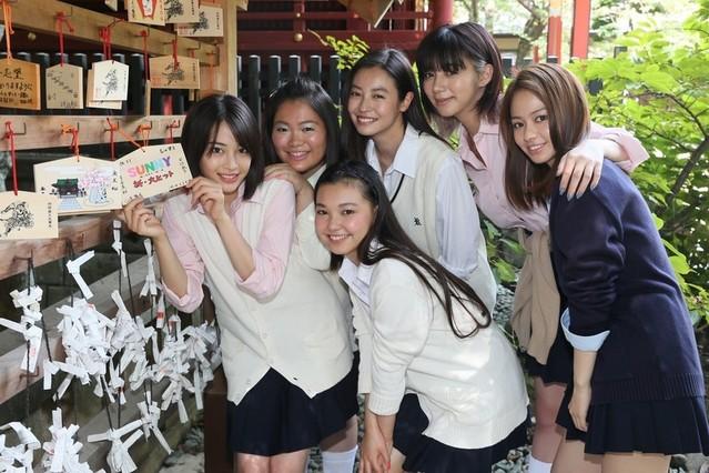 """「SUNNY」女優陣が""""コギャル姿""""で渋谷に!「サラリーマンからめちゃくちゃ見られた」"""