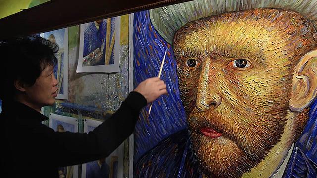 「本物を見たい」中国の複製画家がオランダへ 「世界で一番ゴッホを描いた男」予告