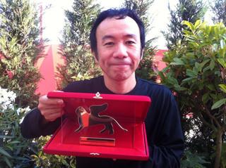 2001年に「KOTOKO」でオリゾンテ部門の 最高賞を受賞「斬、」