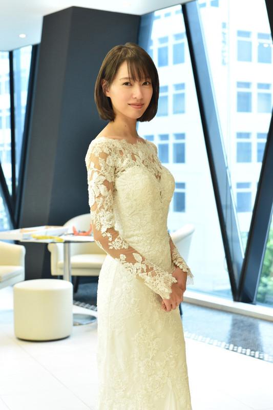 美麗なウエディングドレス姿を 披露した戸田恵梨香