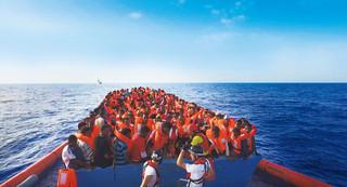 アイ・ウェイウェイが難民問題に追るドキュメンタリー、1月日本公開