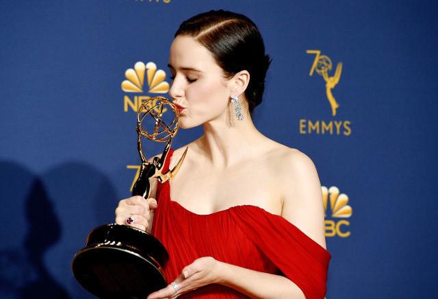 「マーベラス・ミセス・メイゼル」で主演女優賞を獲得したレイチェル・ブロズナハン