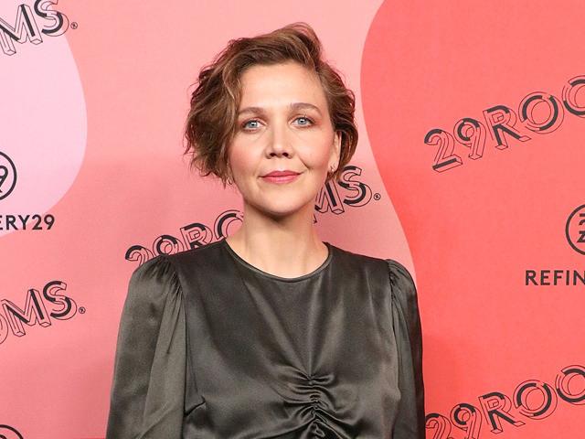 マギー・ギレンホールが監督デビュー エレナ・フェッランテ著の小説を映画化