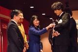 福士蒼汰、皇太子ご一家と「旅猫リポート」鑑賞 猫トークで盛り上がる