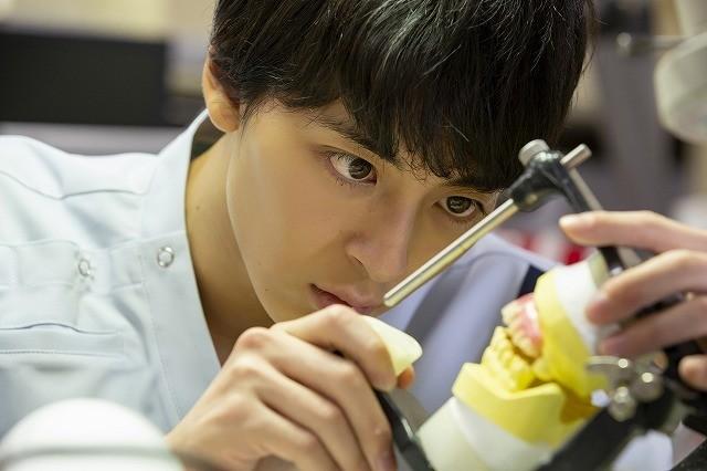 高杉真宙が歯科技工士に!安田聖愛共演「笑顔の向こうに」19年2月公開