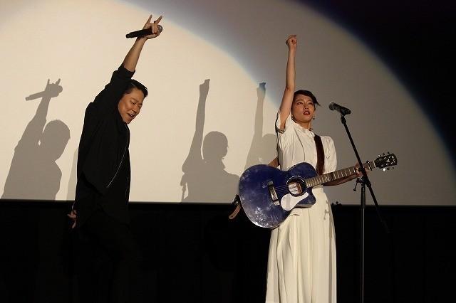 吉岡里帆「音タコ」主題歌を生披露! 阿部サダヲの歌唱力に「マジ、尊敬っす」 - 画像5