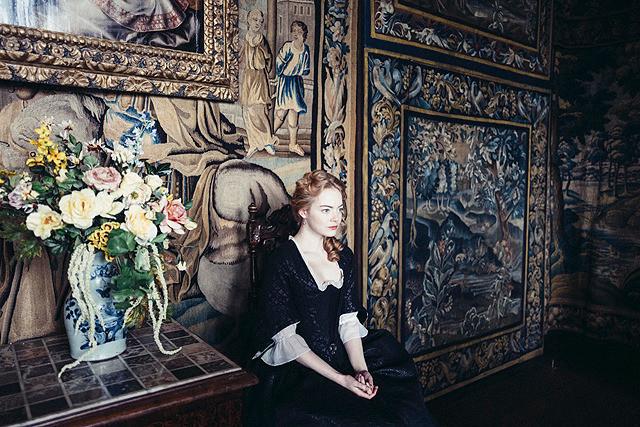 作品賞に名を連ねた 「女王陛下のお気に入り」場面写真