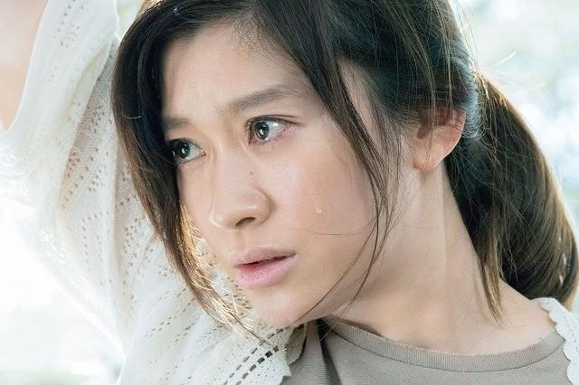 愛する人が眠り続けてしまったら? 篠原涼子の熱演収めた「人魚の眠る家」新予告