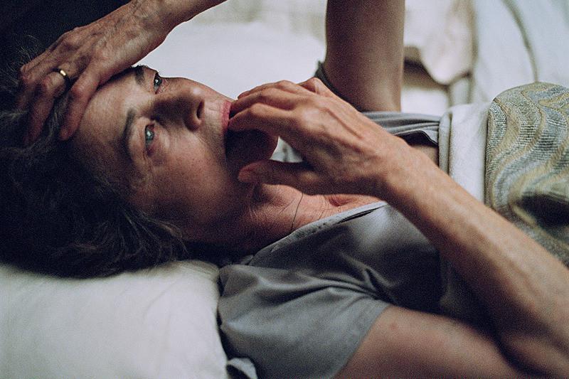 C・ランプリングが人生の終盤、生きなおしを図るヒロインに ベネチア受賞作「ともしび」予告