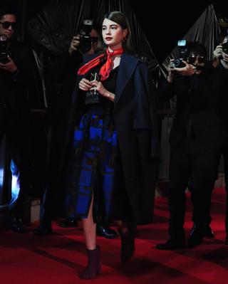 東京国際映画祭初のファッションショーに青柳翔、山崎紘菜、松井愛莉ら登場で歓声!