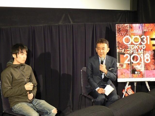 質問に答える玉田真也監督(左)