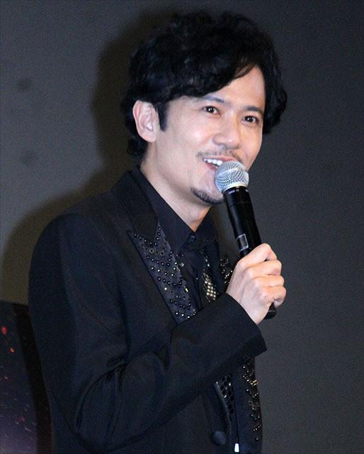 舞台挨拶に立った稲垣吾郎