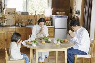 幸せオーラ全開の大泉洋×本上まなみ×岡田将生「そらのレストラン」場面写真公開