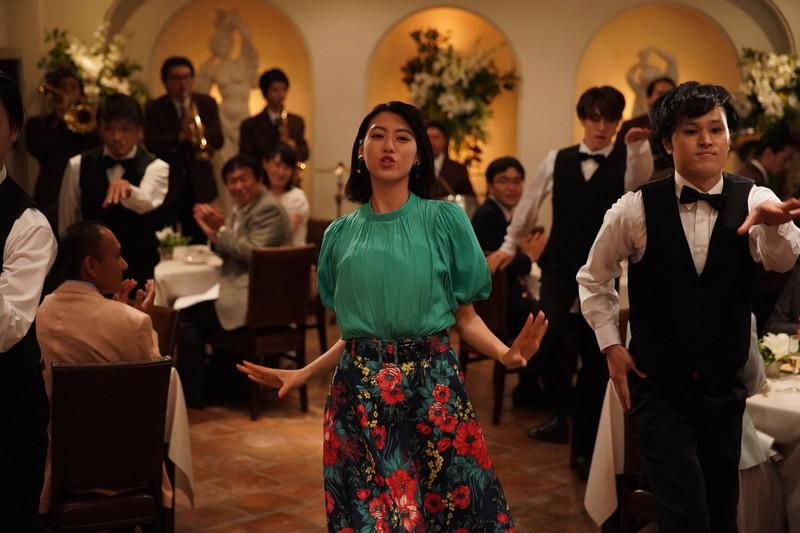 三吉彩花が「狙いうち」を歌い踊る!矢口史靖監督作「ダンスウィズミー」現場ルポ