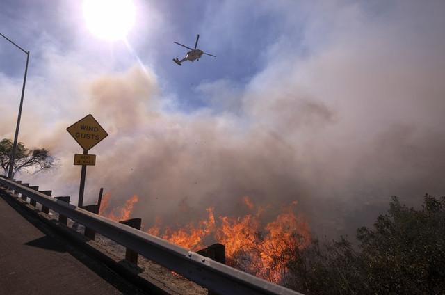 大規模な山火事が発生