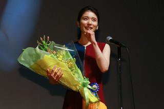 松岡茉優、更なる躍進へ決意にじませる 同時受賞の安藤サクラに「いつか追い越したい」