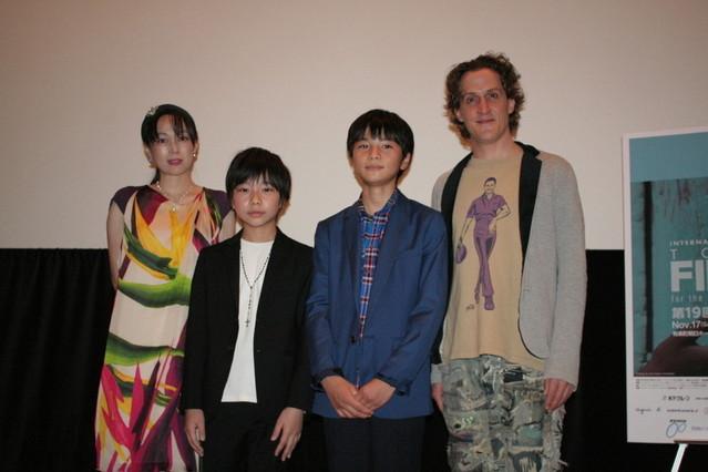 (左から)佐伯日菜子、佐藤結良くん、大熊理樹くんチャド・マレーン