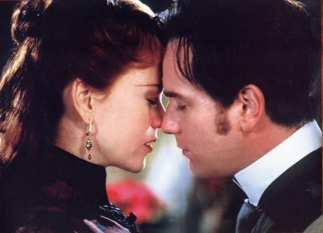 バズ・ラーマン監督がメガホンをとり 2001年に公開された「ムーラン・ルージュ」