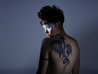"""「蜘蛛の巣を払う女」クレア・フォイが明かす、リスベットの""""トラウマと孤独"""""""